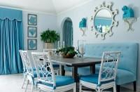 błękitna jadalnia z otwarta kuchnią