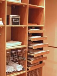 zabudowa wnętrza szafy półki , koszyczki, wieszaki tags[szafa,garderoba]
