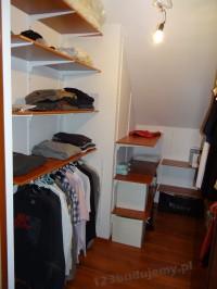 moja zabudowa garderoby, system półek na ubrania i drążki na wieszaki tags[garderoba,szafa]