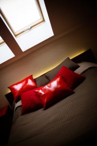 podświetlenie łózka taśma led poświata za łóżkiem
