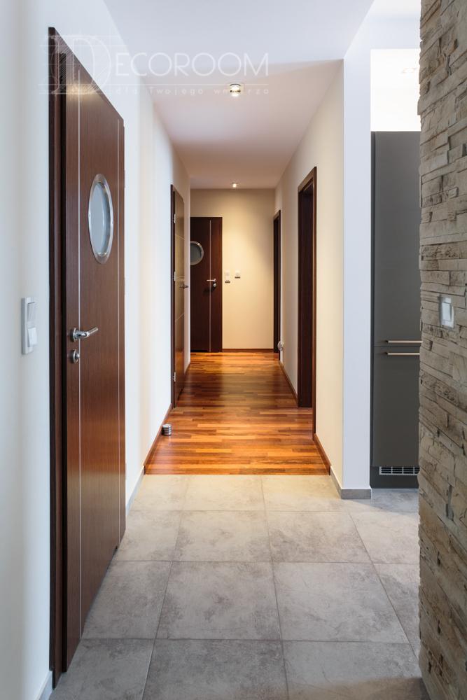 Mieszkanie w stylu nowoczesnym – przedpokój www.decoroom.eu