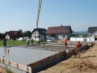Inwestycja przy ul. Kopernika w Skawinie Kolejne segmenty z wylanym betonem na podłogę. http://s ...