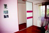 Drzwi przesuwne lacobel białe w różowe pasy