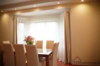 aranżacja salony, stół i krzesła