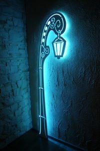 Latarnia Barok 1, 55 x 200 cm – wykonana z płyty mdf + oświetlenie led rgb