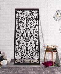 Dekoracja ścienna z metalu malowanego proszkowo mocowana na dystansach nadająca efekt przestrzenny.