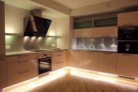 Podświetlenie mebli w kuchni taśma led