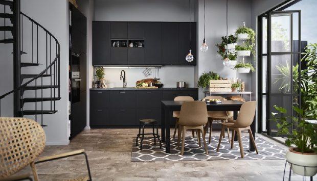 Czarne meble w kuchni