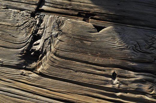 Bejca do drewna – kiedy i jak jej używać?