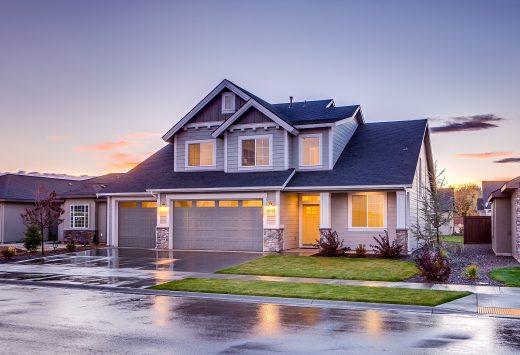 Projekty domów z garażem – jaki wariant wybrać?