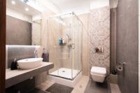 Aranżacja nowoczesnej łazienki w bloku