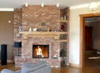 kominek rustykalny z cegły