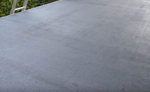 Jednym z najpopularniejszych produktów do naprawy dachów jest kit dekarski. To masa, która po wy ...